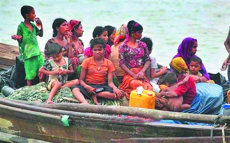 Dozens of Rohingyas flee camps in BD by boat