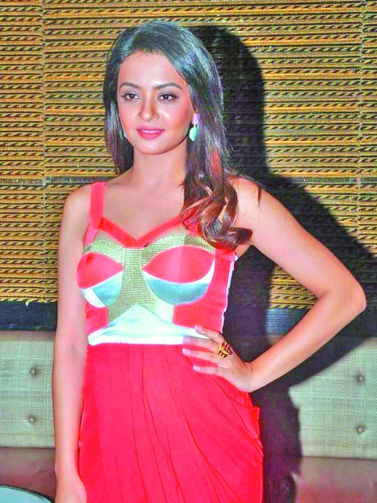 'Hate Story 2' actress Surveen Chawla is pregnant!