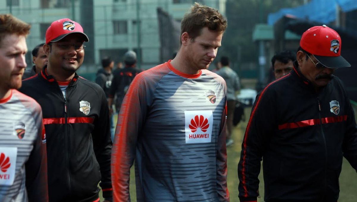 Comilla lose captain Smith to hand injury