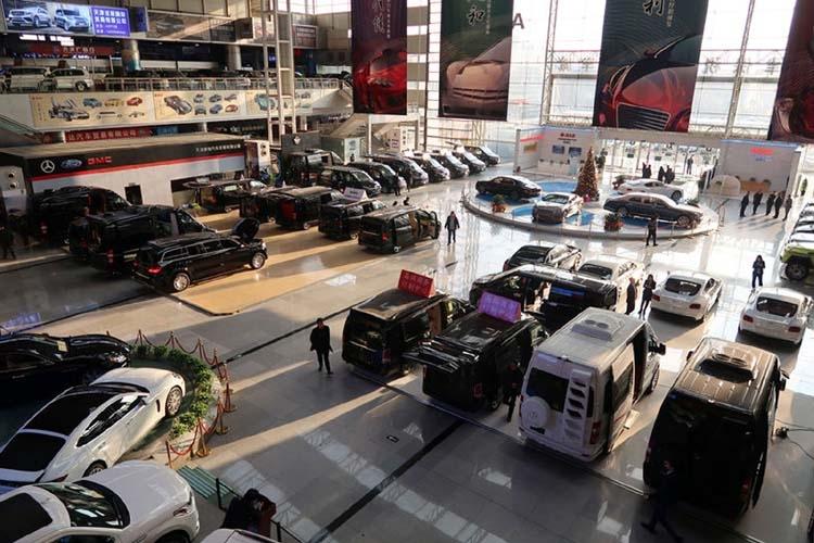 Tariff drop a salve for hard-hit traders at China port