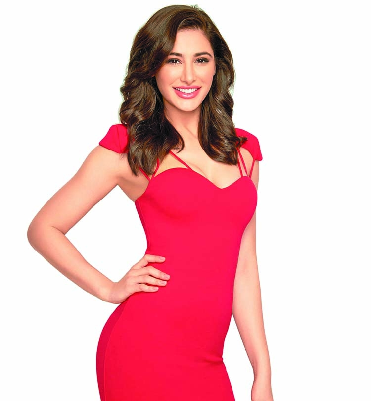 Nargis: Watching horror  movies is addictive