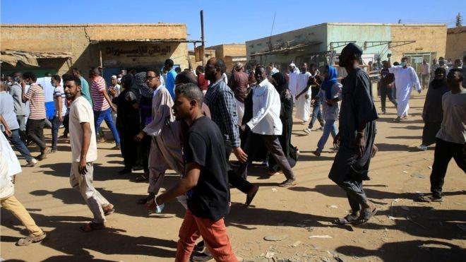 Sudan worshippers turn on imam amid unrest