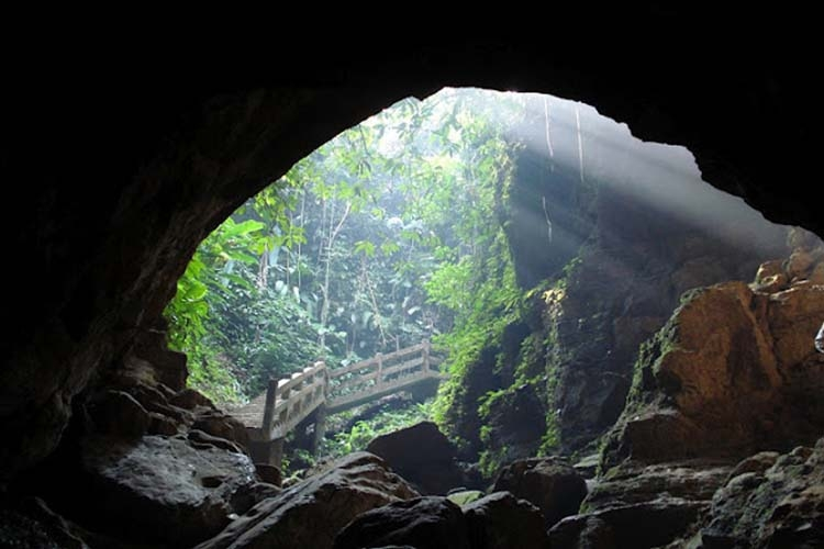 A mysterious cave in Bangladesh