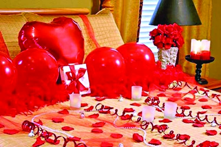 Make modern Valentine's Day décor