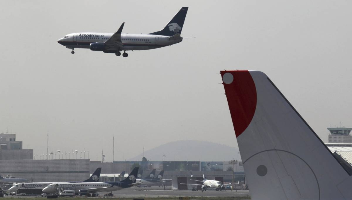 Mexican president promises new terminal for capital airport