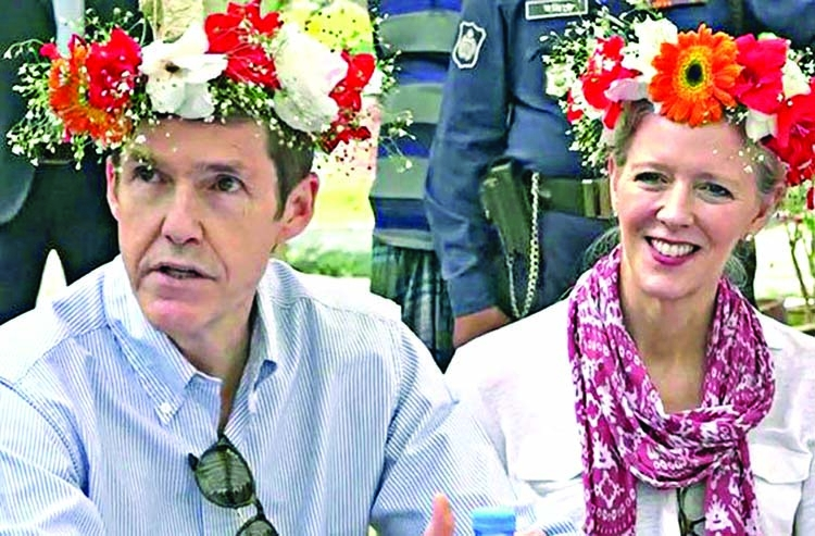 US Ambassador visits flower farm