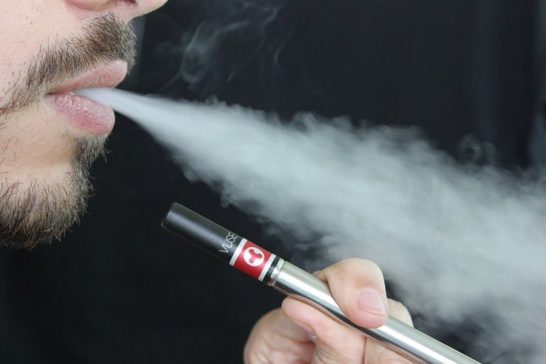 E-cigarette use linked to heart trouble: Study