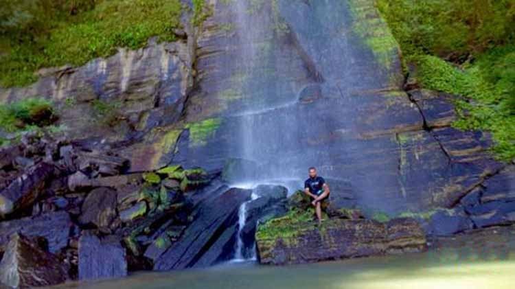 Rijuk waterfall in Bandarban