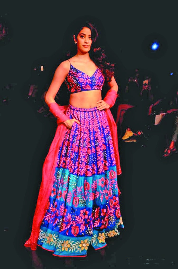 Janhvi Kapoor dials up the sizzle in new photo shoot