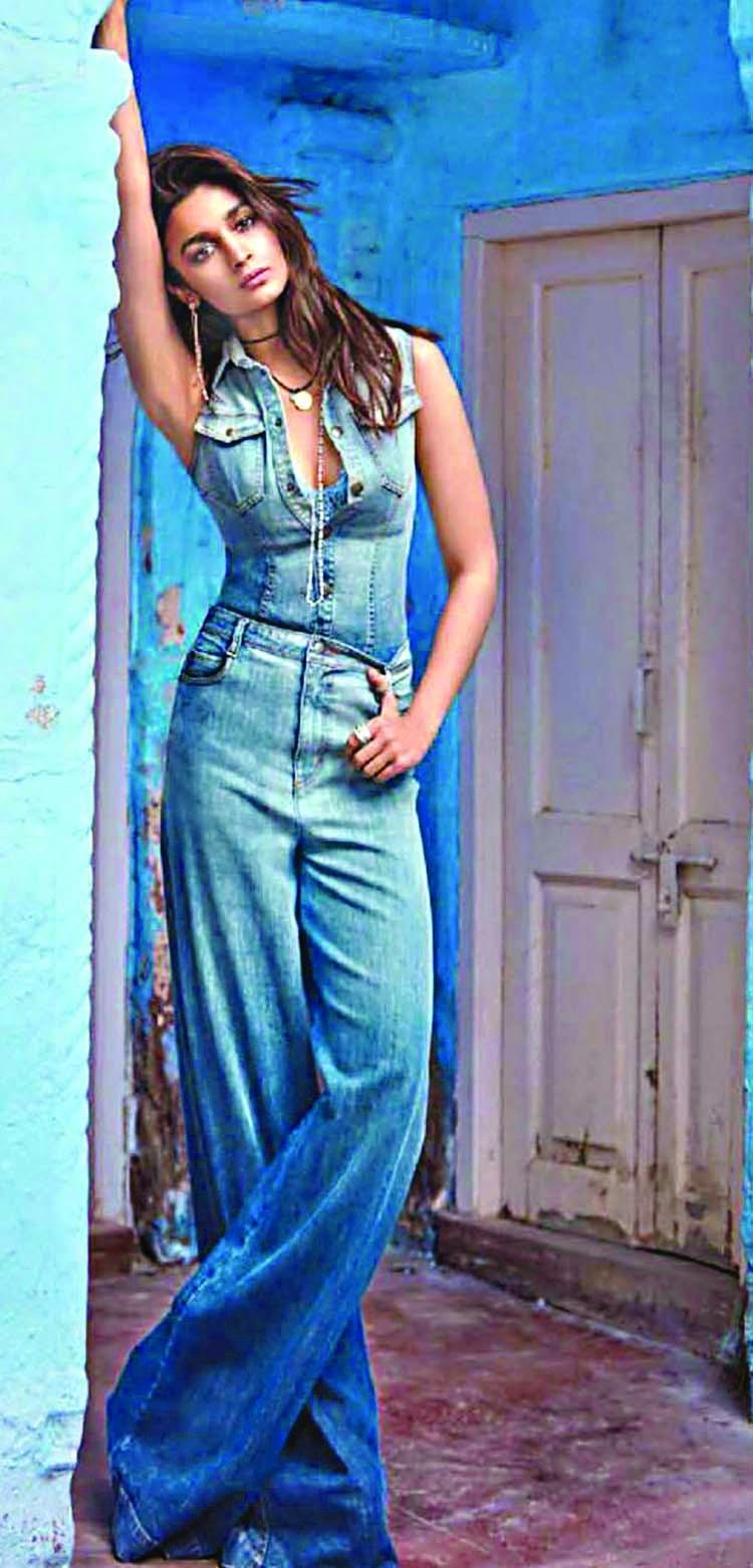 Alia eyes Hollywood, after Priyanka and Deepika