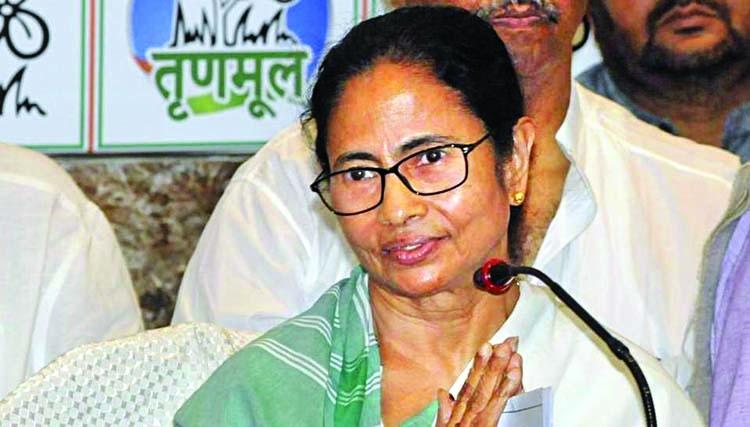 Mamata claims RSS helping Congress