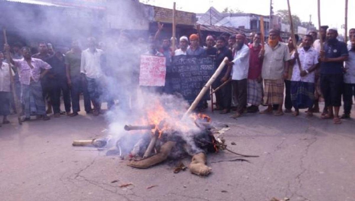 Jute mill workers go on indefinite strike