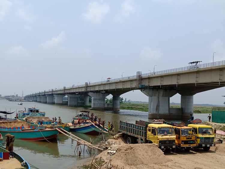 'Gomti, Meghna bridges will be opened before Eid'