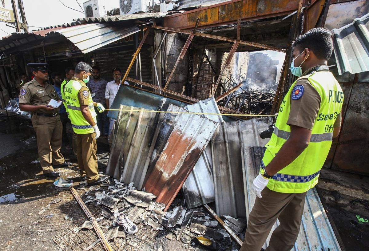 1 dead, mosques attacked as Sri Lanka communal tensions rise