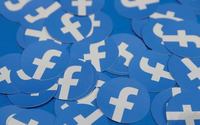 Facebook restricts Live feature