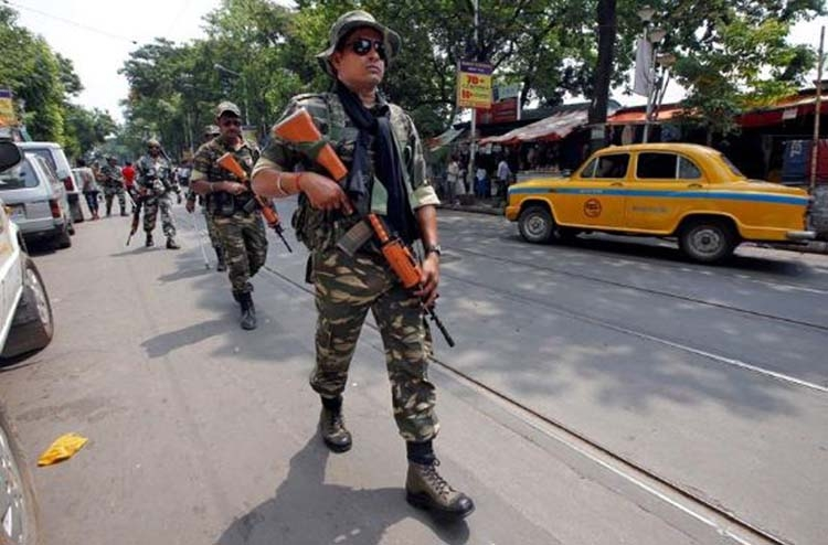 Soldiers patrol Kolkata after election violence