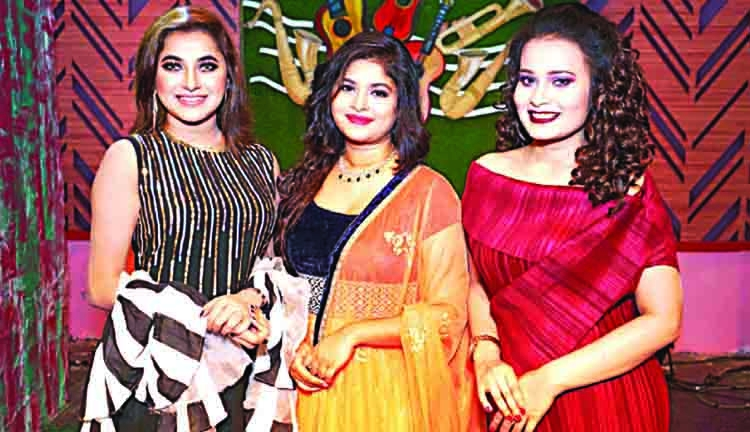 Liza, Putul and Luipa in unique TV show 'Eker Bhitor Dui'