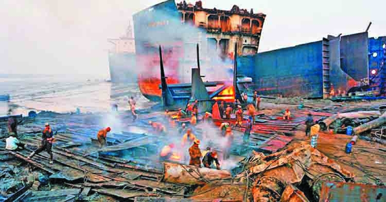 Ship-breaking yard worker burnt to death in Ctg