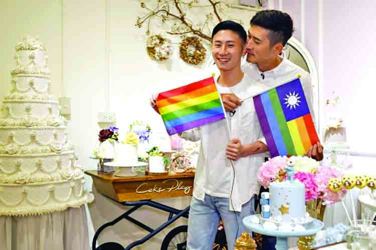Taiwan gay couples plan weddings