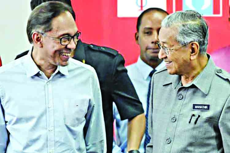 Mahathir will play statesman role when I become PM, says Anwar