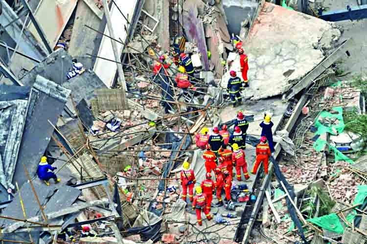 19 rescued from collapsed Shanghai building