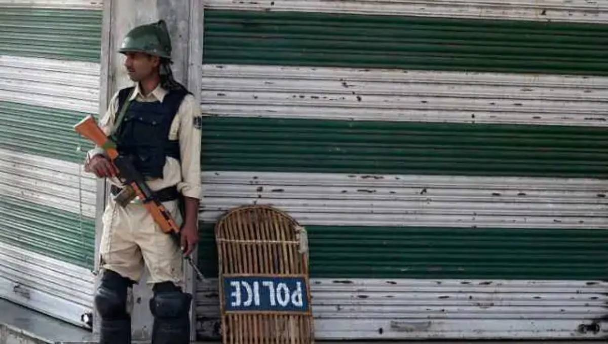 Clashes between protesters, security forces In parts of Jammu and Kashmir