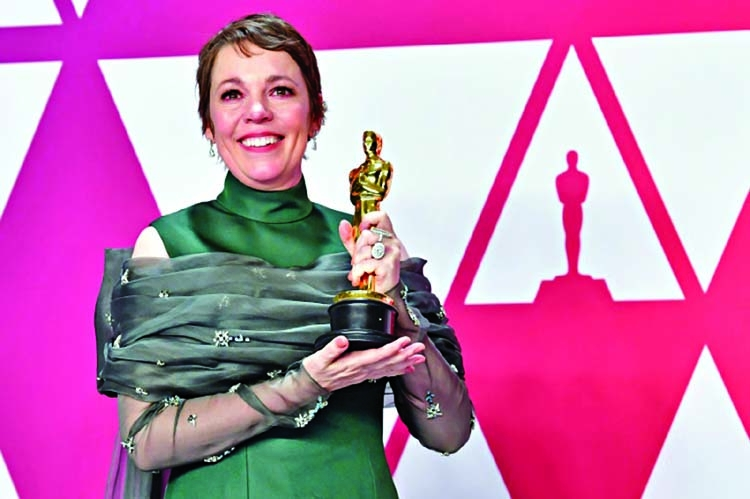 Queen honors 'The Crown' actress Olivia Colman
