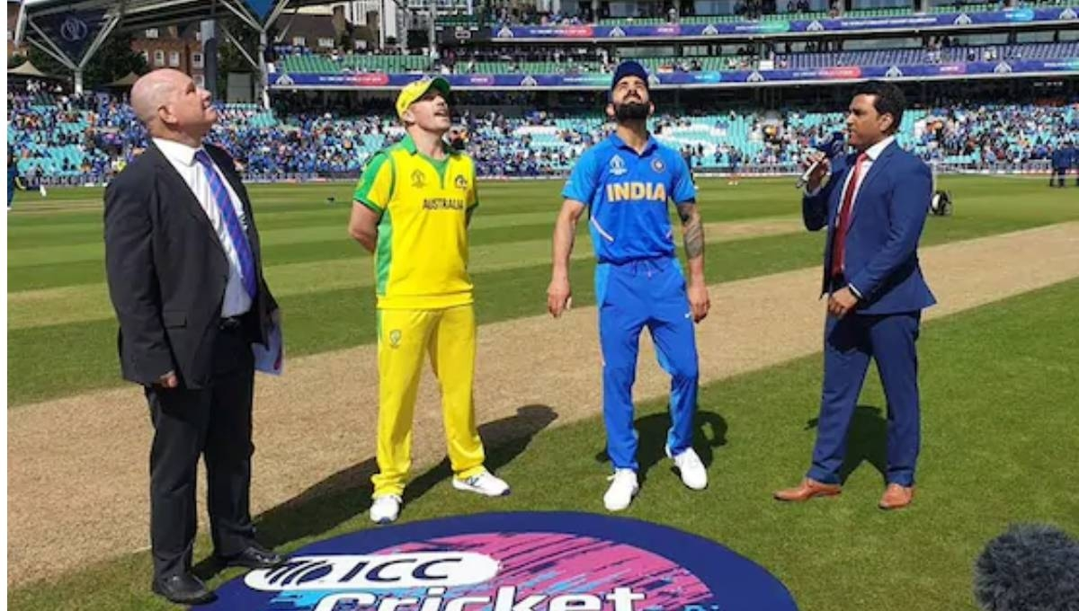 India win toss, elect to bat against Australia