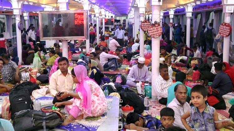 People of Barishal returning to capital after Eid