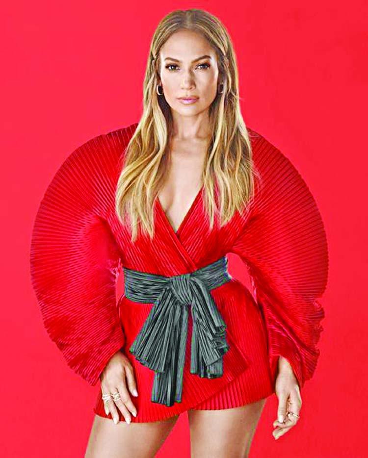 Jennifer Lopez starts her new tour