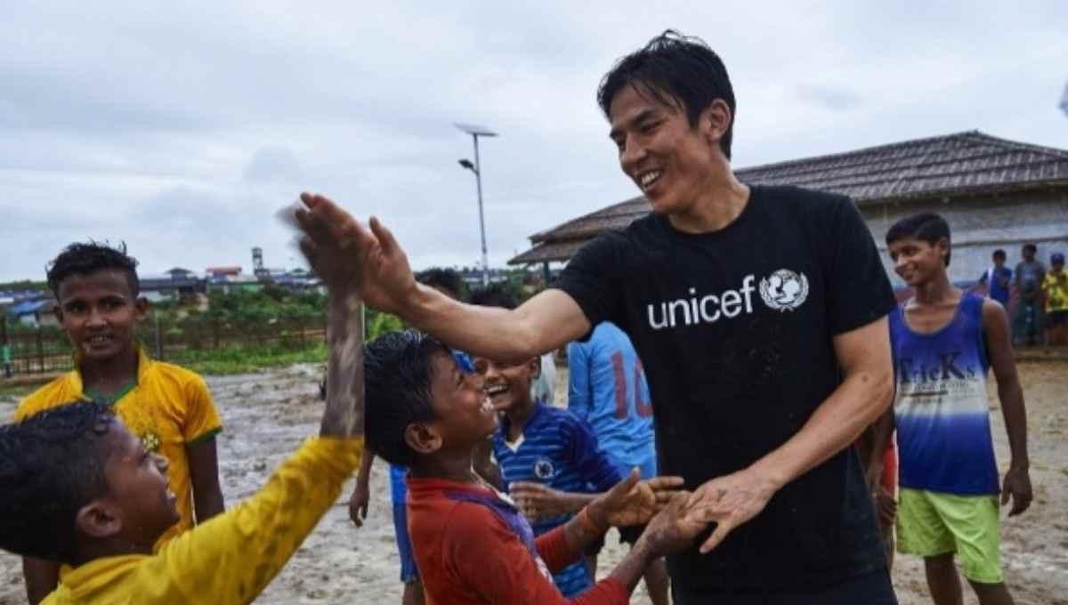 Japanese footballer Hasebe visits Cox's Bazar Rohingya camps