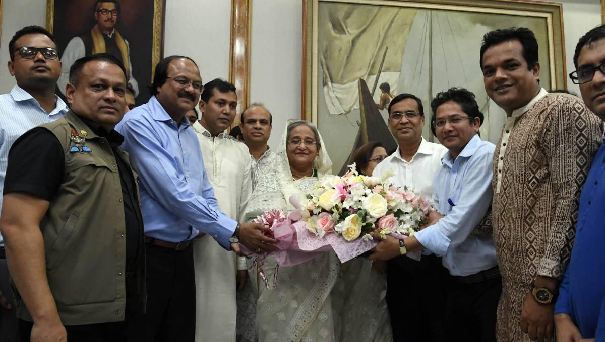 AL, associate bodies greet Hasina