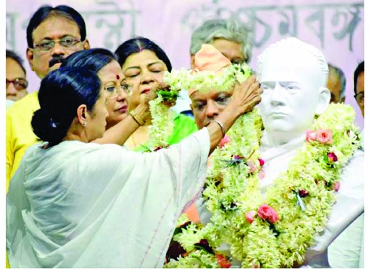 'Bengal not a toy, can't play with it': Mamata hammers BJP
