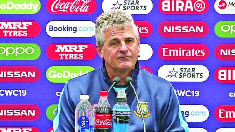 Rhodes slams WC organizers over lack of reserve days