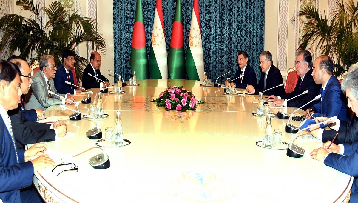 Presidents seeks Tajikistan's support to end Rohingya crisis