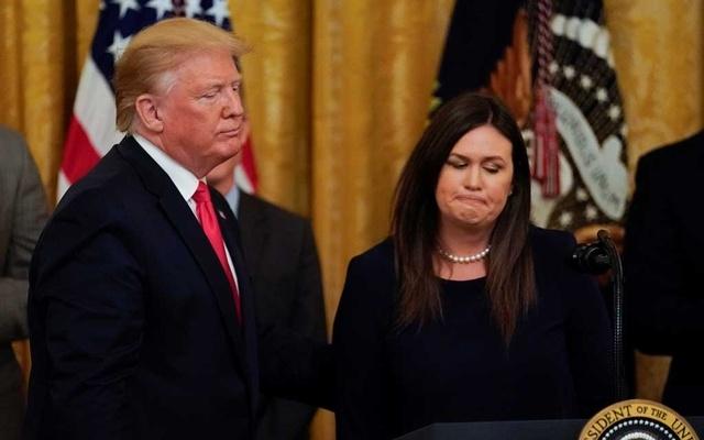 Trump loses loyalist Sarah Sanders