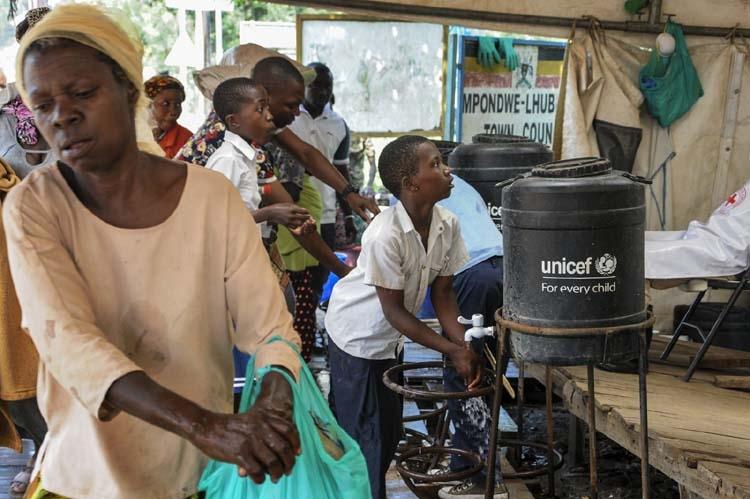 Ugandan medics tackling Ebola lack supplies