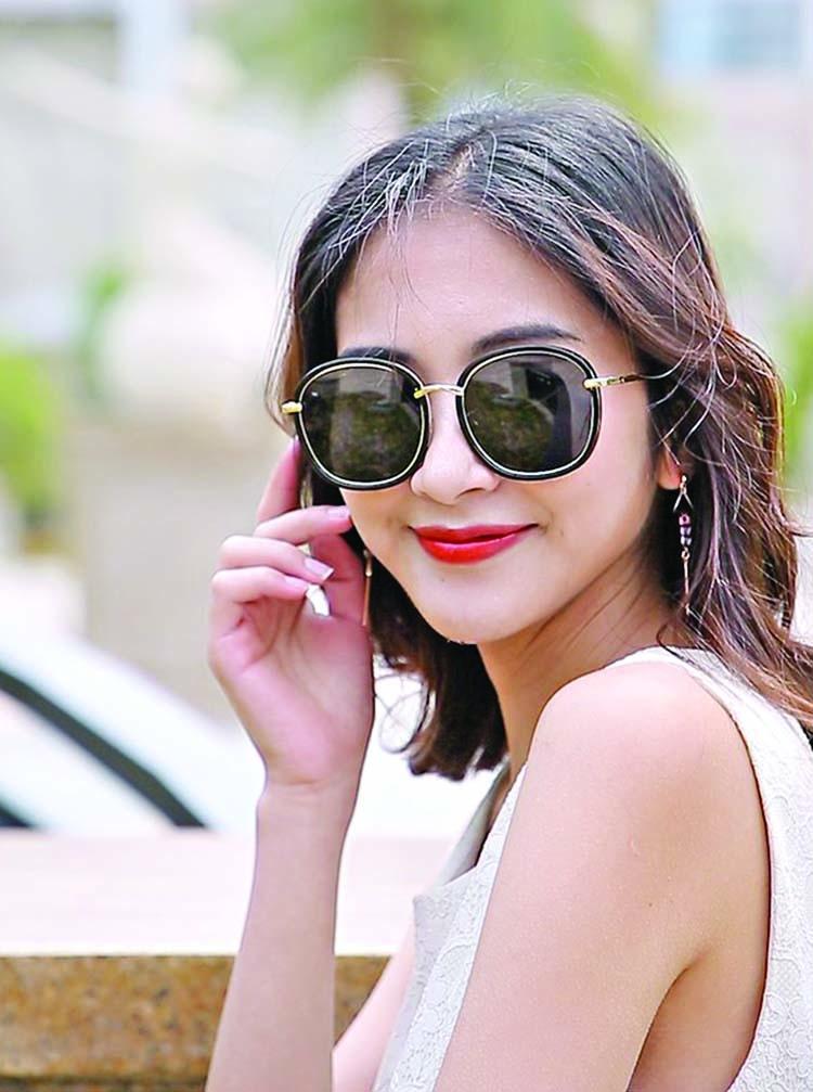 Choose a sunglass style