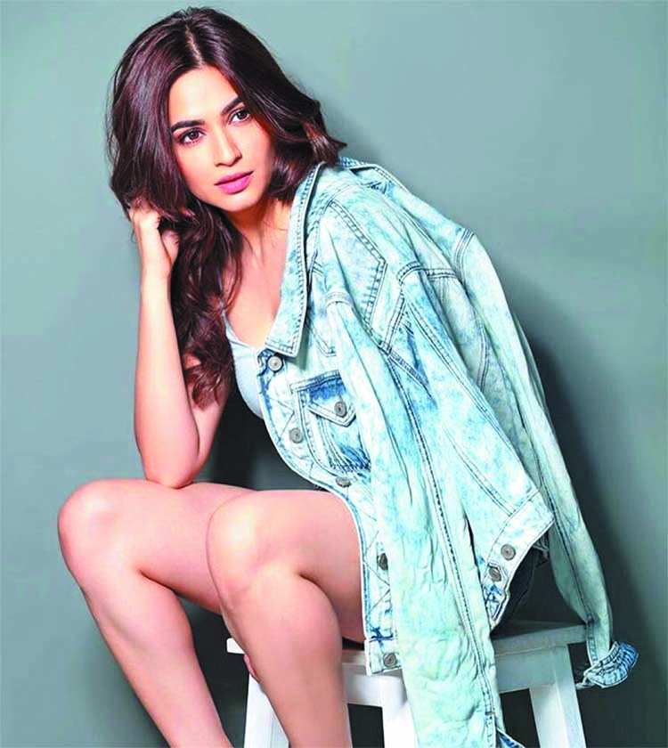 Kriti's next film is inspired by Phoebe from 'Friends'