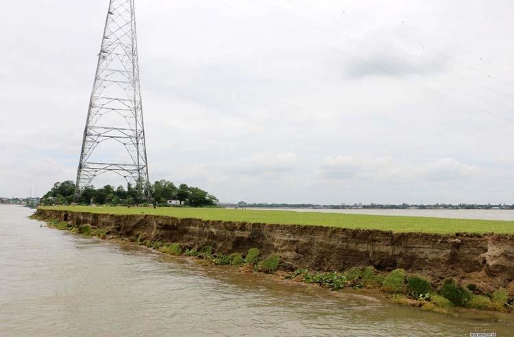 River erosion puts nat'l grid line in danger
