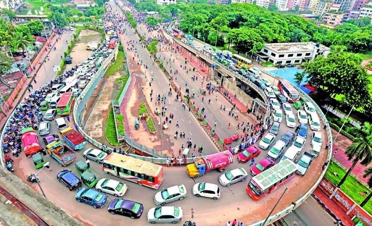 Fretful rickshaw-pullers cripple Dhaka