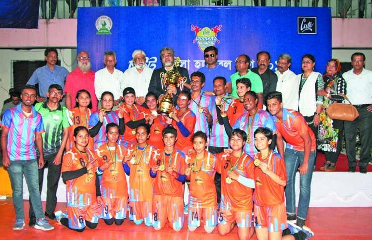 Mariner Youngs seal Women's Handball title