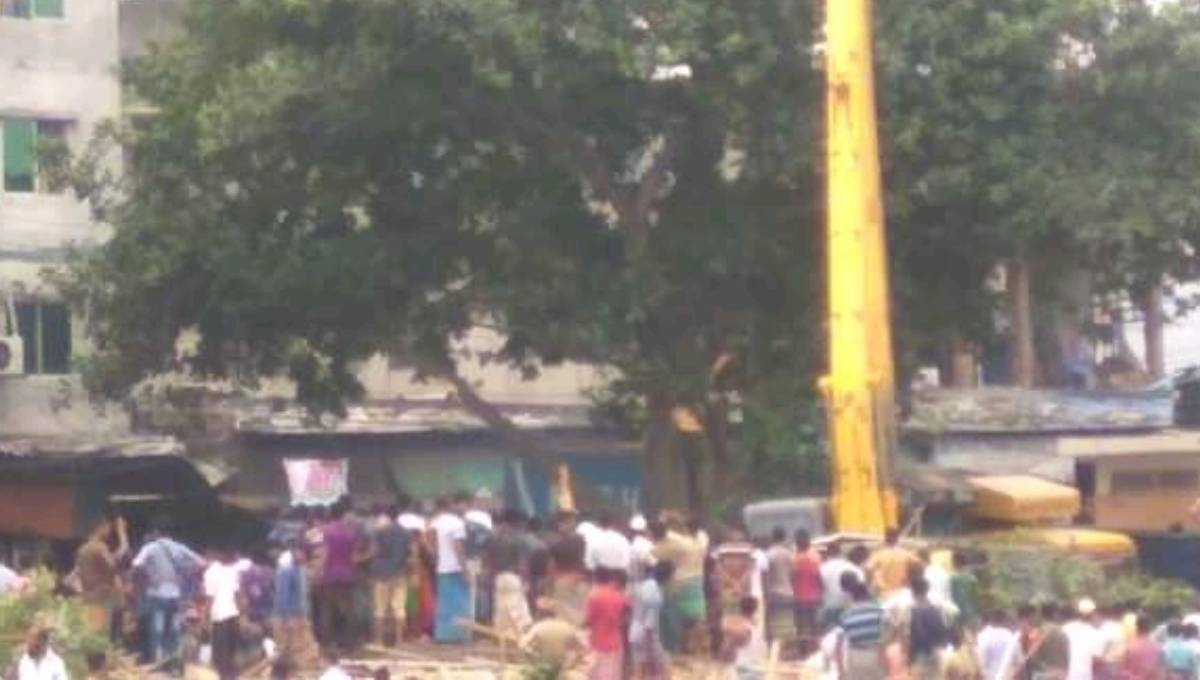 Eviction drive faces obstruction in Keraniganj; 5 hurt