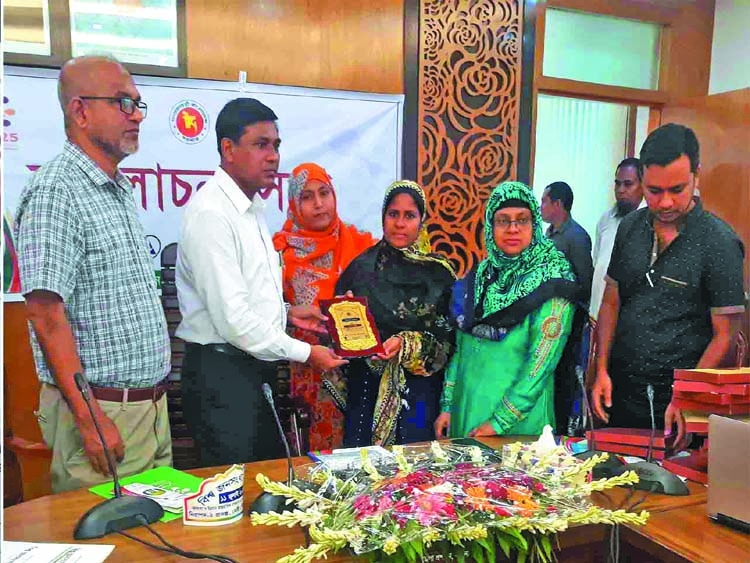 New police officers take oath in Sherpur