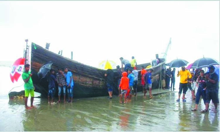 5 more bodies come afloat on Cox's Bazar beach