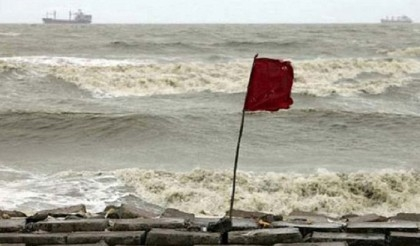 Maritime ports asked to keep hoisted signal No 3