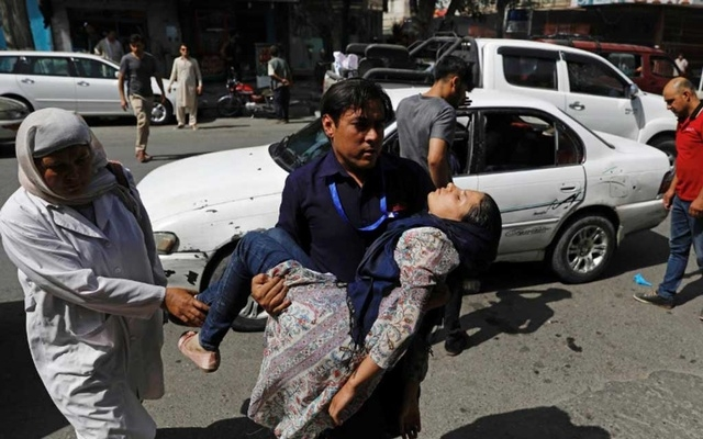 100 wounded in car bomb attack on Kabul police