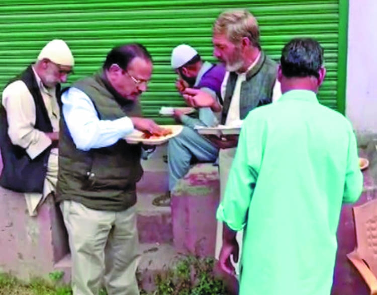 Ajit Doval shares lunch with Kashmiris