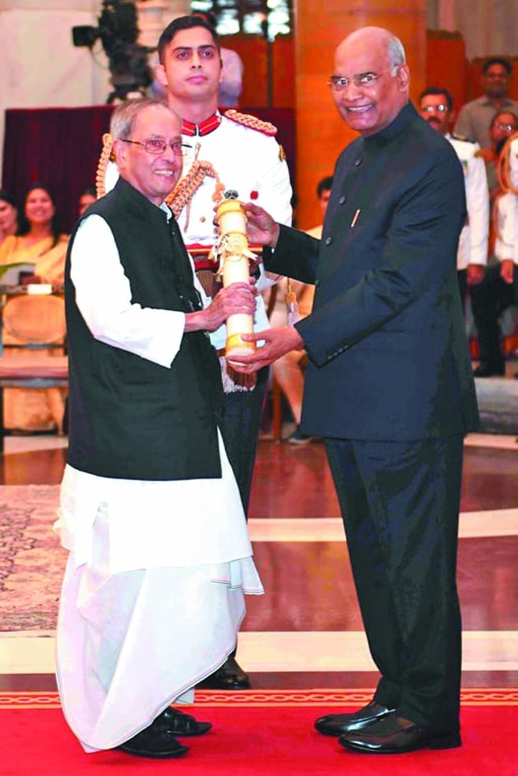 Pranab Mukherjee receives Bharat Ratna