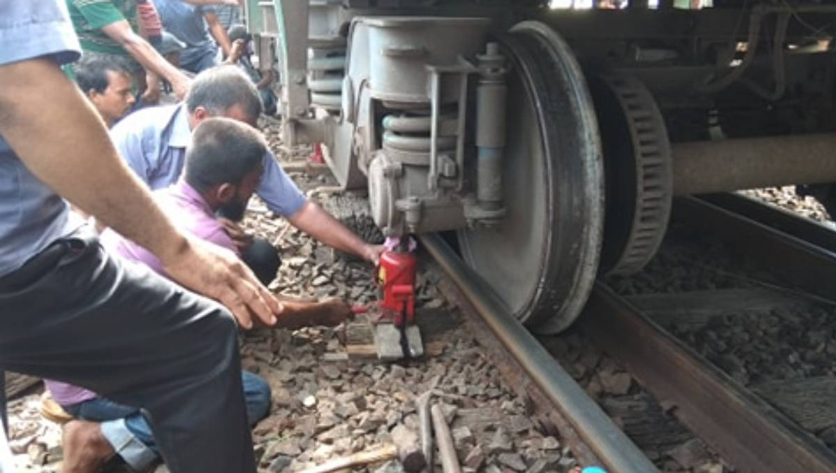 Dhaka's rail links with north, south snapped